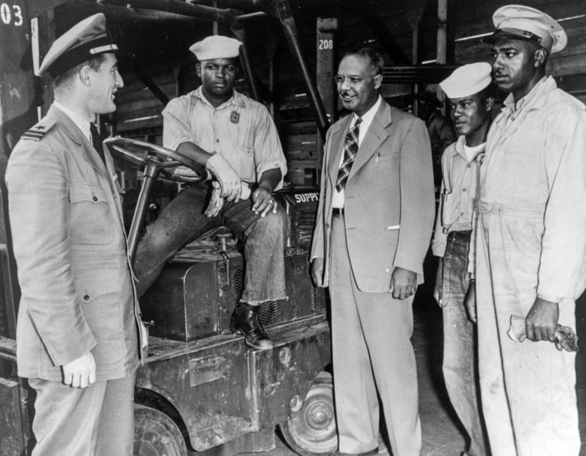 Lester Granger (center) on tour in 1945.