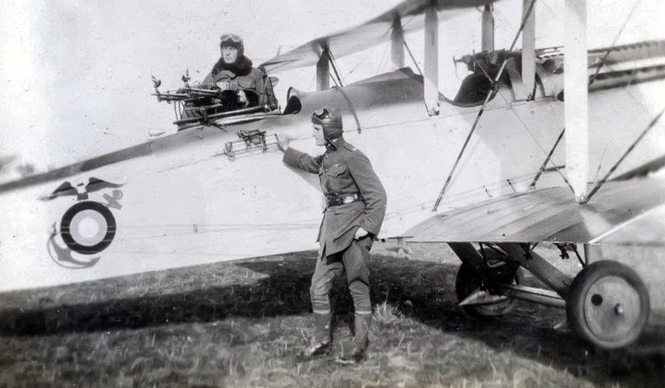 Marine Aviators of the Northern Bombing Group with their DH-4, ca. 1918. NHHC Photo