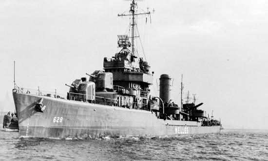 view of the USS Welles (DD-628) underway shortly after the end of World War II.