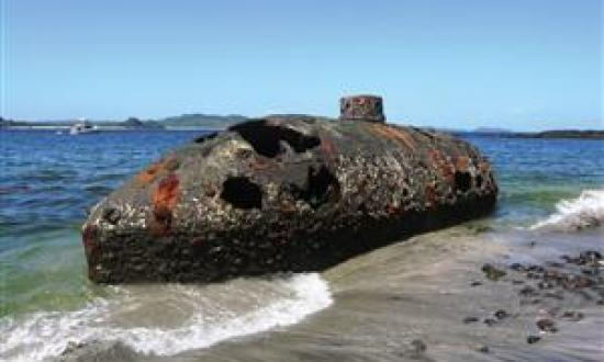 After the Sub Marine Explorer was abandoned on a Panamanian island beach in 1869, her identity was eventually forgotten by the locals. By 2000 the historic 36-foot boat was rumored to be a Japanese two-man midget submarine.